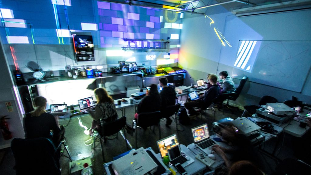 Projection mapping workshops Madmapper Modul8